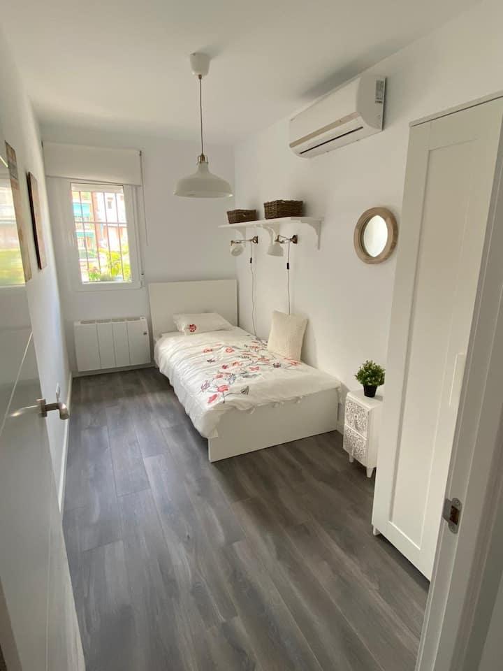 Habitación individual en apartamento reformado☺️
