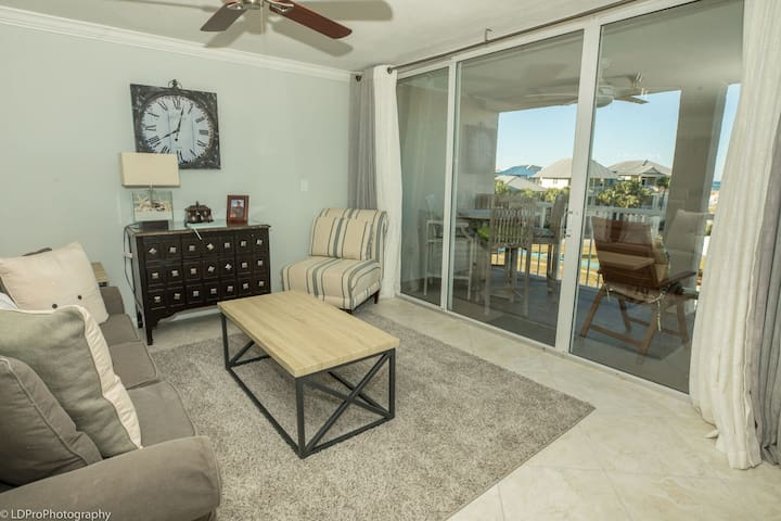Magnolia House 305 is a Luxury 2 BR with Free Beach Service