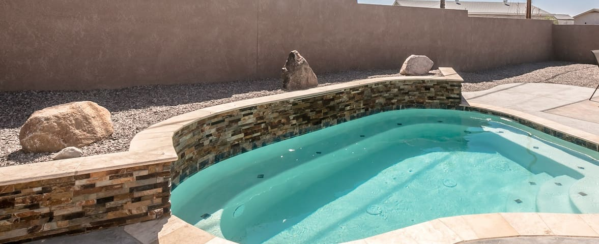 3 Bedroom,Heated Pool, Close to Launch, RV Parking