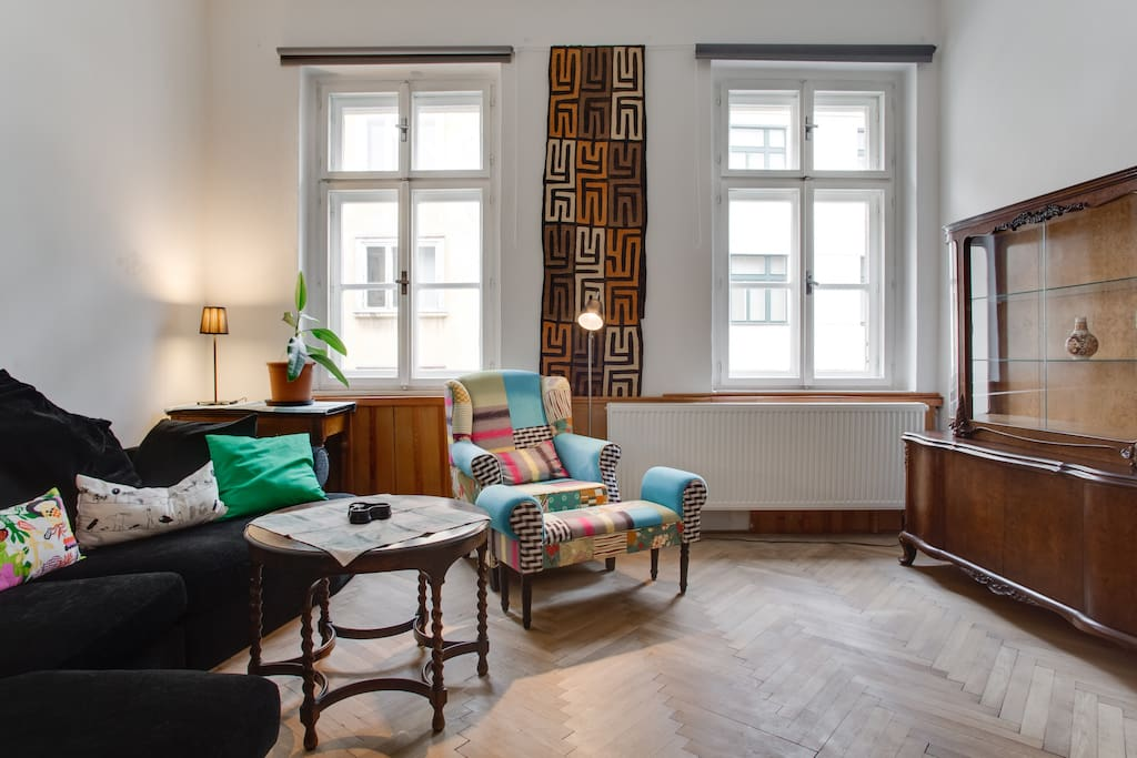 In the two-bedrooms flat with well equipped kitchen and bathroom you will feel like at home. Prague Old Town around, Vltava river and great parks with nice playgrounds and beer gardens are in short walking distance.