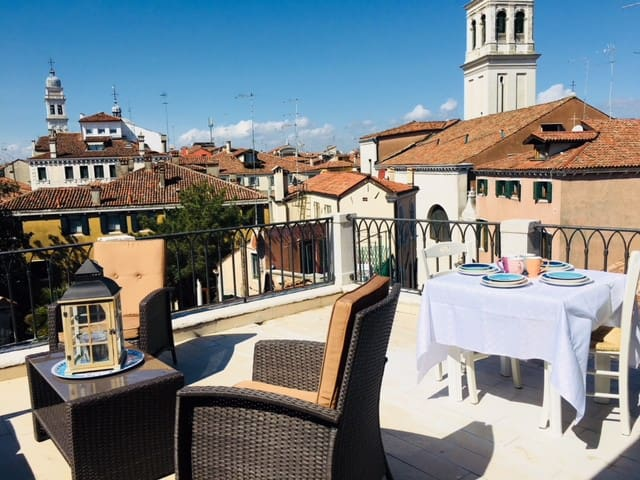 VENICE HOLIDAY TERRACE