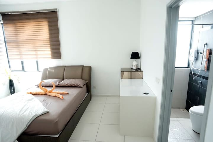 2 Bedrooms The Sky Homestay @ Bukit Indah/Legoland - Bukit Indah - Apartamento