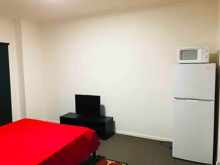 Private En suite with Kitchenette - 25mins frm CBD
