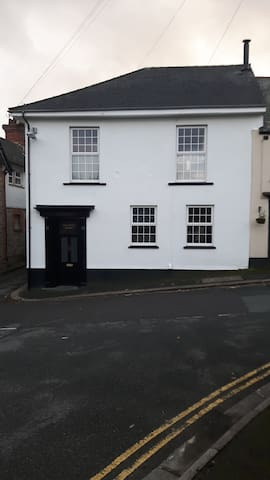 A double room in a lovely home - Saltash - Дом