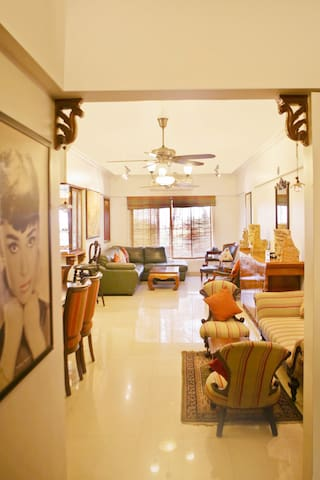 Immaculate 3 BHK Apartment with a sea view - Mumbai - Byt