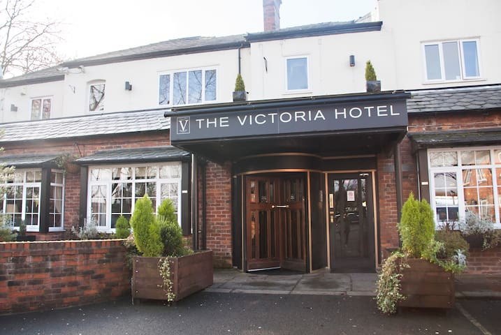 The Victoria Hotel, Oldham - Chadderton - Bed & Breakfast