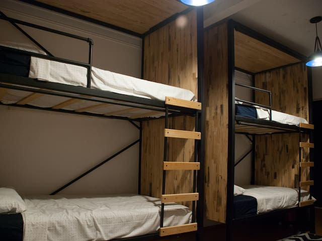 Bed in dorm with terrace and breakfast Roma Juarez