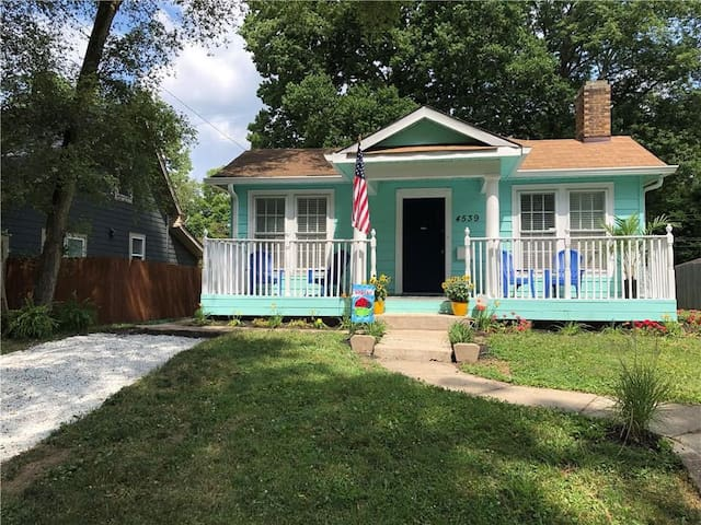 Midtown Cottage* Monon Trail* Pet friendly