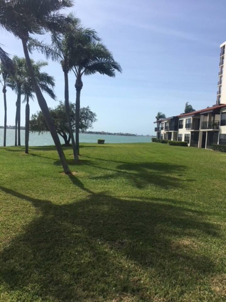 Waterfront View in Isla Del Sol