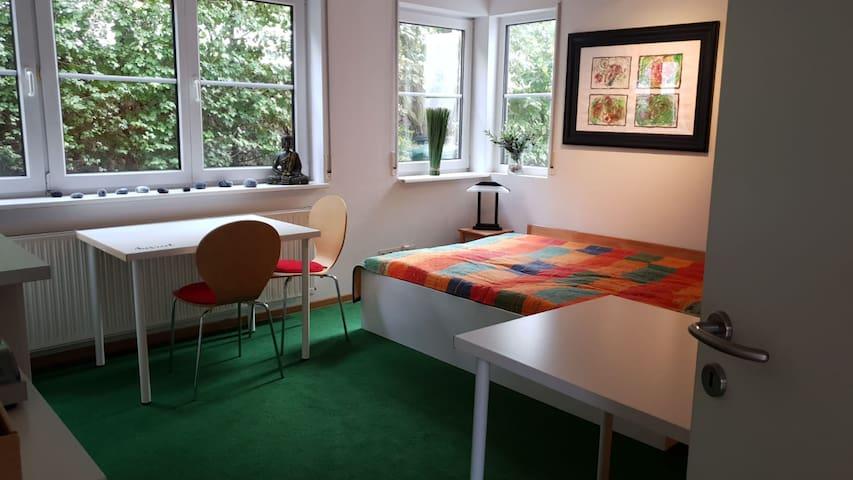 Kleines Appartement im Grünen