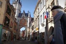 Centre-ville d'Auxerre ( l'horloge )