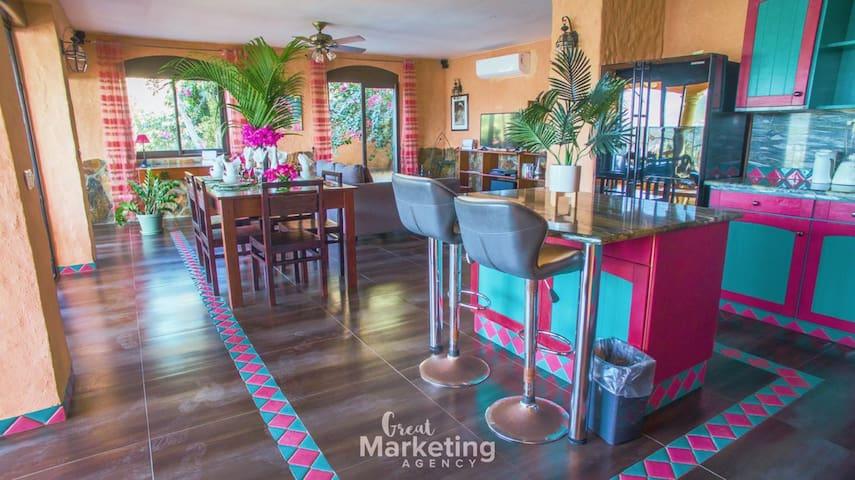 """Caribbean St Maarten Luxury condo : """"Pink Life"""""""