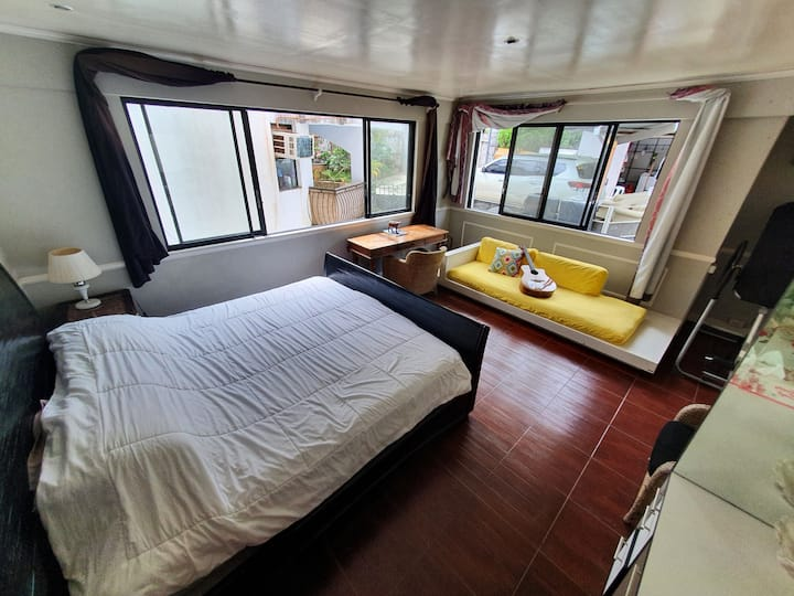busay aircon bedroom near top with own bathroom 1