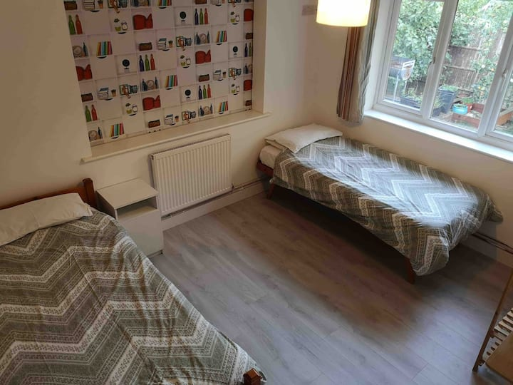 2-3 single beds in beautiful village location