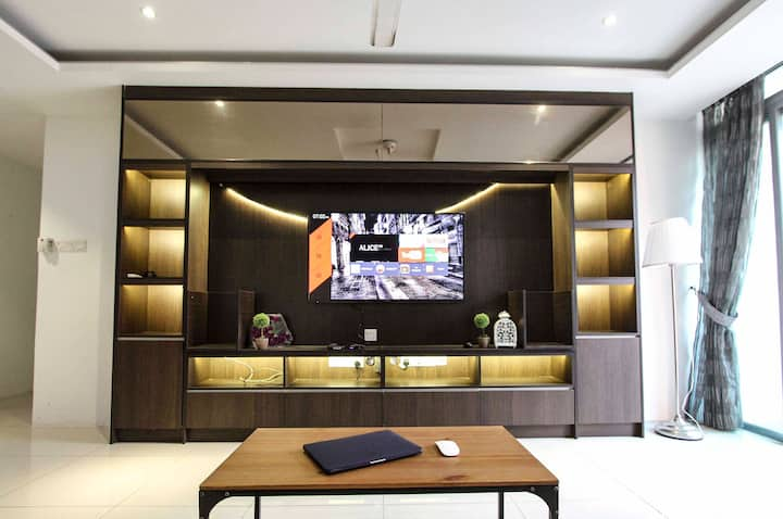 T3_ Family Suite 16 Guest _Berjaya Times Square