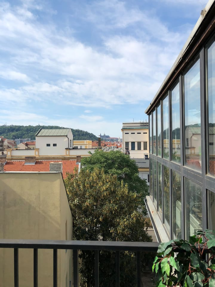 Praha 5 LOFT - perfect castle view - HUGE BALCONY