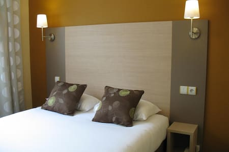 Chambre d'hôtel Caen centre ville. - Caen