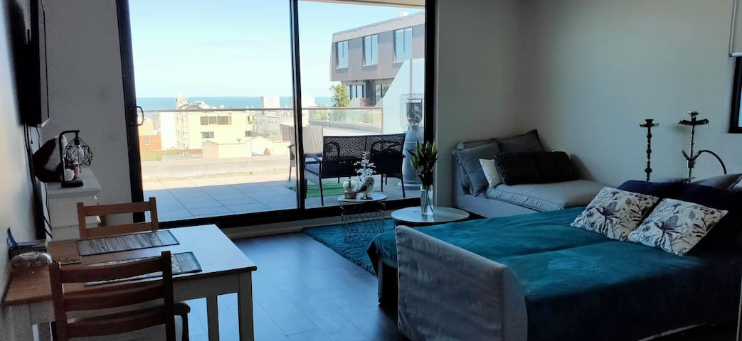 Modern apartment with sea view and big balcony BBQ