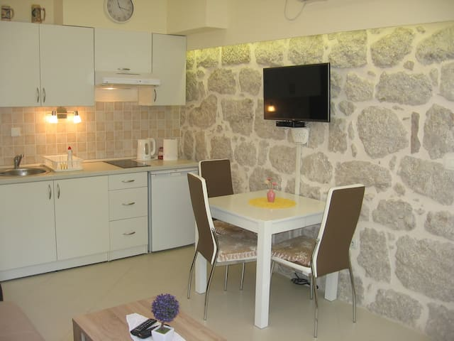 Beatiful new 30 m2 Alex Apartment