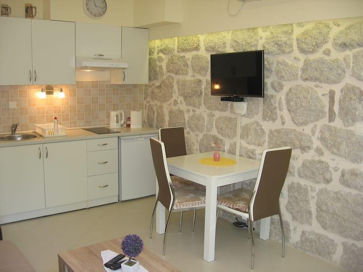 Beatiful new 30 m2 Alex Apartment