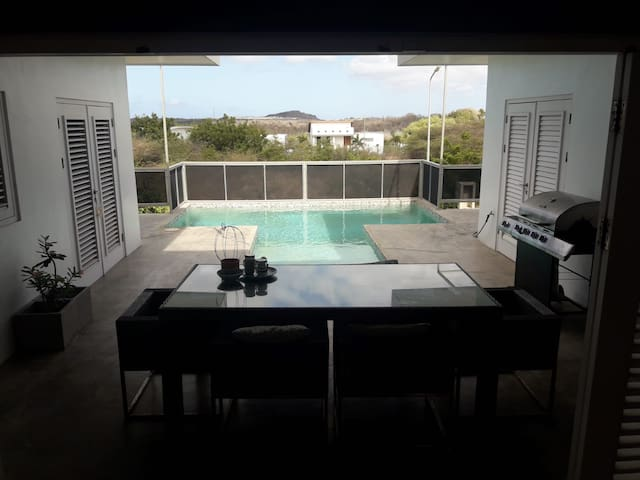 Very comfortable villa with swimming pool