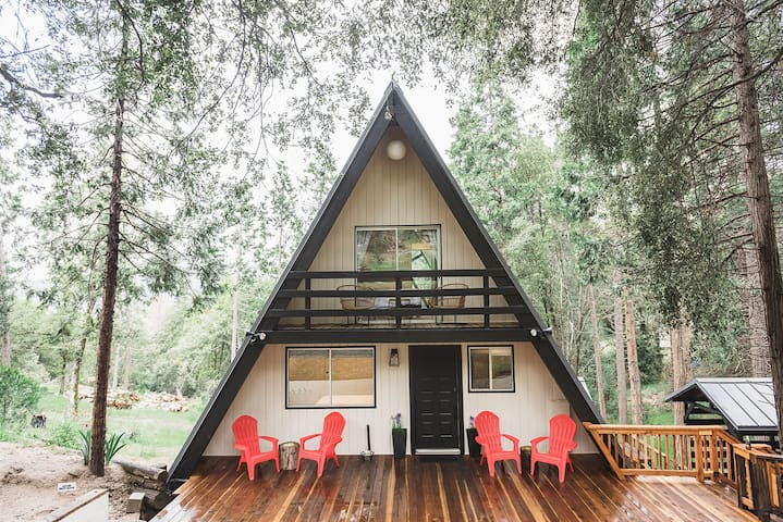 **New** A-Frame Cabin near Yosemite/Bass Lake