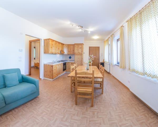 Appartamento per 4 persone - Omenars Basso