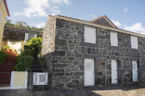 Casa dos Costa, Santa Barbara, Ribeiras
