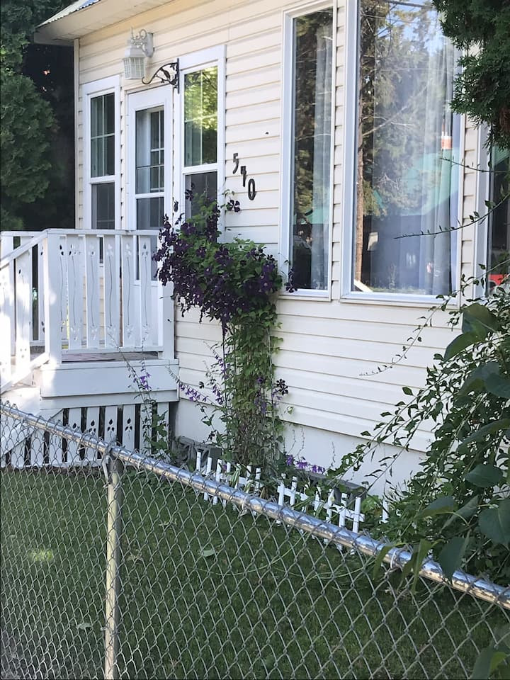 Historic Bungalow close to downtown.