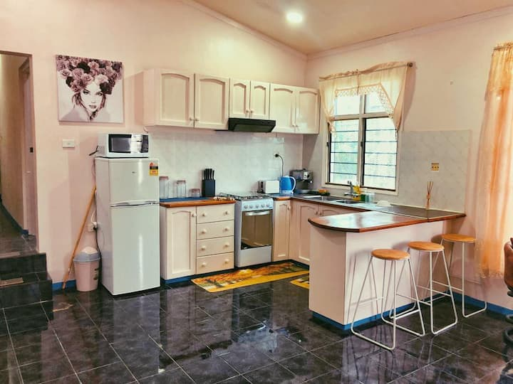 Chezton Apartments - 1BR centrally located