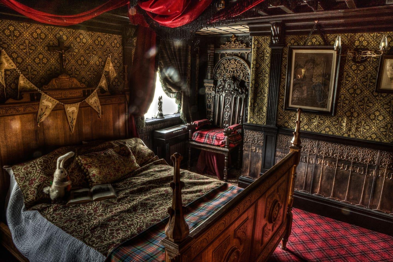 Edwardian Woodwork The Haunted Bedroom Fabric Walls And Tartan Carpet