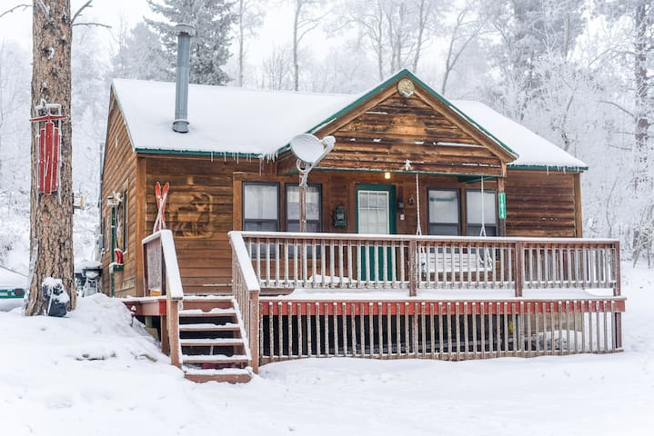 Pines Peak Cabin
