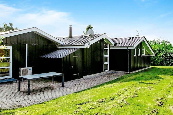 Grande maison de vacances, sauna à Farsø 900 m de Limfjorden