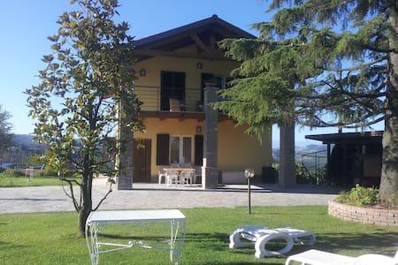 """""""Bellavista Langhe""""  Villa in Diano D'Alba - Diano D'Alba"""