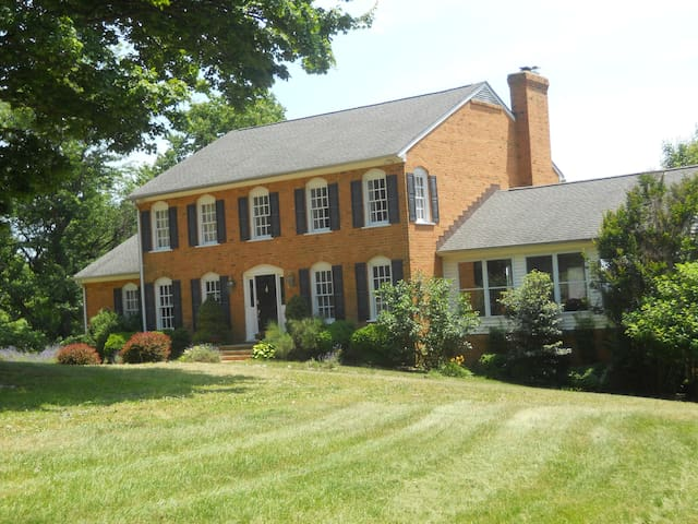 Virginia Wine Country Retreat 60 mi. from DC - Markham