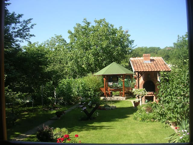 This house is perfect for relaxing! - Novi Sad - Huis