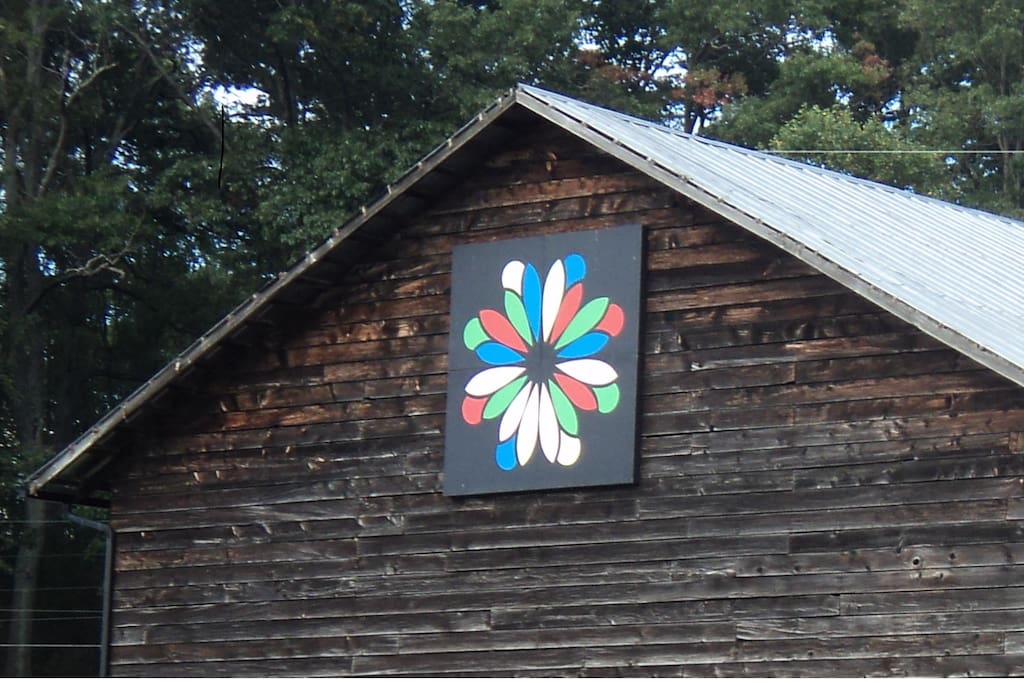 The Barn Quilt Farmhouse Houses For Rent In Waynesville