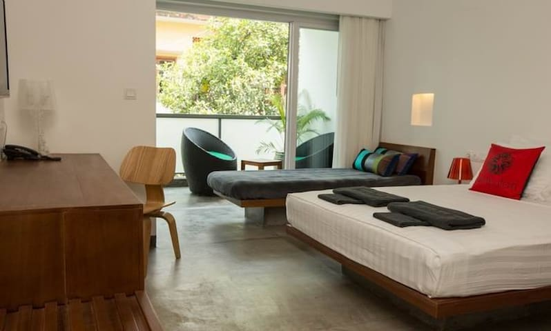 Comfy poolside twin room in Phnom Penh