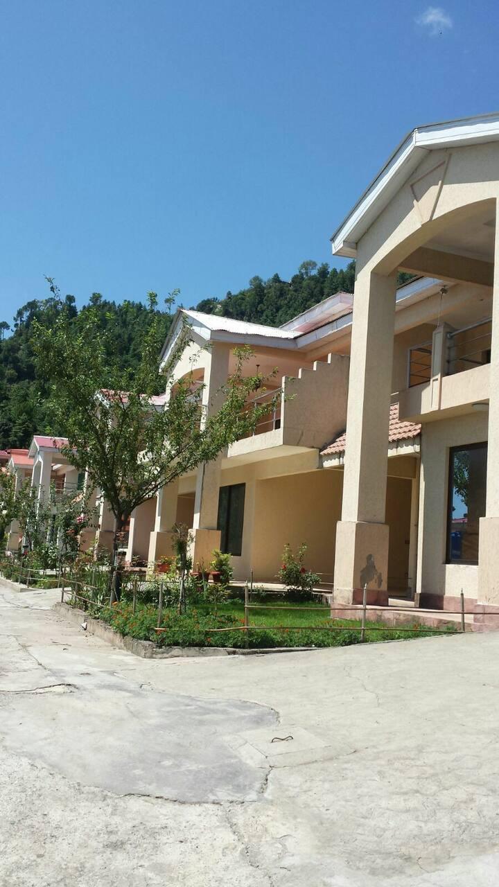 4 bedroom Villa - Valley View Resort - Murree