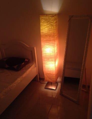 Tidy small room in heart of Dubai-DIFC