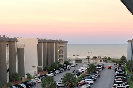 Myrtle Beach Resort Top Floor 2BR/2BA