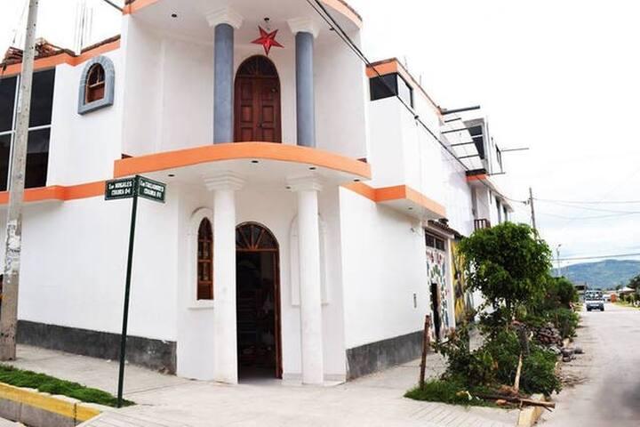Vive Ayacucho!!! con diseño andino - Ayacucho - House
