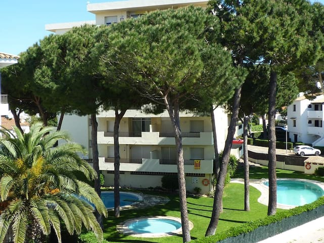 Atic Apartment close to the port of L'Escala