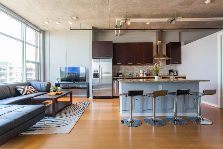 Extended Stay Business  2 bedroom 2 Bath Balcony