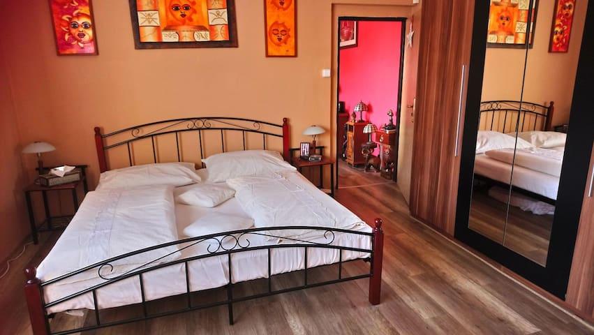 Prostorný plně zařízený byt 4+1 v Krásném Březně