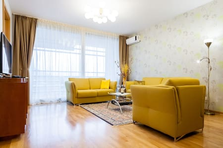 """Apartment """"Butua"""" with Sea View. Free parking! - Lejlighed"""