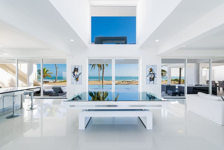 Ultra Modern Beachfront Villa - Кабарете