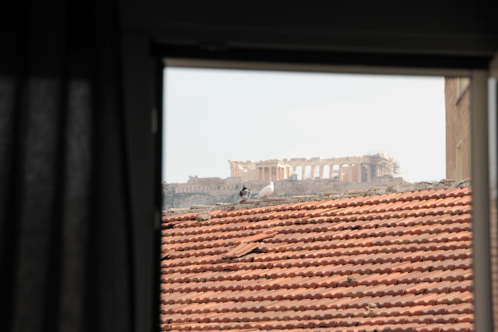 direct view to the Acropolis... from the couch, inside the living room :)