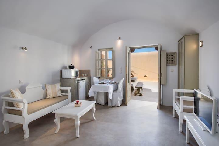 Lava Studio - Pyrgos Kallistis - House