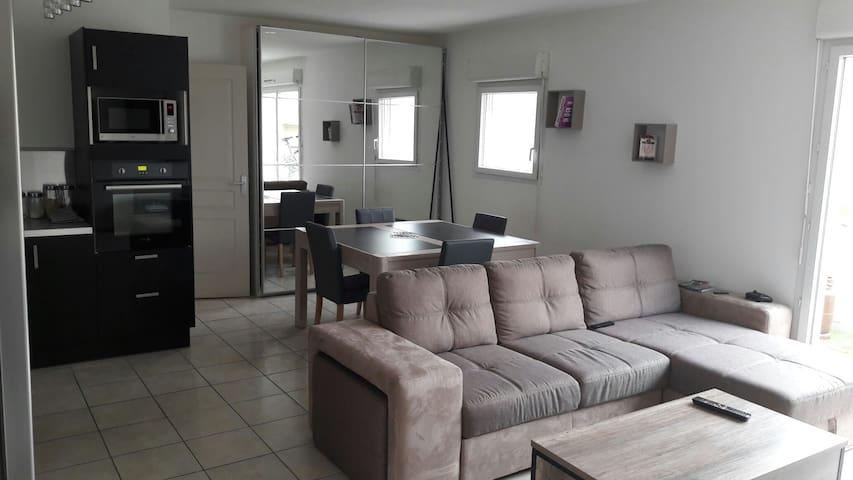Agréable appartement avec toute commodités - Miramas - Leilighet